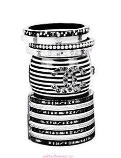 Mais Chanel   Black & White!