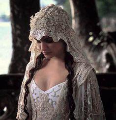 Star Wars bride! Beautiful! (No I wouldn't actually have a Star Wars wedding!)