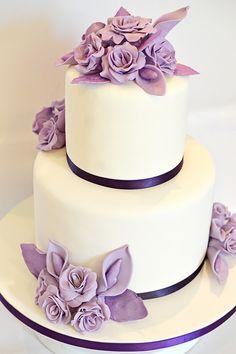 Pastel de boda púrpura
