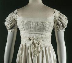 Brassière 1810, Musée Galliera http://www.palaisgalliera.paris.fr/fr/oeuvre/corselet