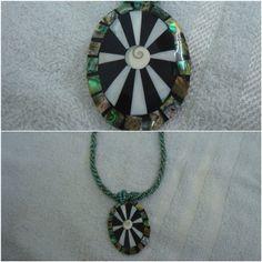 Colar Medalhão Oval Madrepérola & Abalone www.munayartes.com