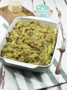 Pasta al forno con broccoli ricotta e speck Pasta E Broccoli, Ricotta Pasta, Pasta Bake, Easy Food To Make, Penne, No Cook Meals, Guacamole, Risotto, Easy Meals