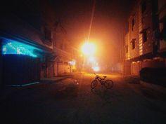 Back on the saddle.  #winternights #foggynights #mist #vsco #vscopk #vscophile #bikerides #nightrider #workbitch #xylophile #bikerguyfrommars #midnightbikerides #karachi #pakistan #wherethestreetshavenoname #cycling #grind #flourescent #instalike #instagood #ig #igers