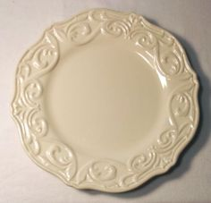 Dinnerware Chris Madden JCPennys ~ have this, LOVE it, want those ...