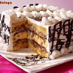 Cotlete de porc in sos aromat cu rozmarinCulorile din Farfurie Sweets Recipes, No Bake Desserts, Delicious Desserts, Cake Recipes, Best Cake Flavours, Romania Food, Profiteroles, Romanian Desserts, Homemade Sweets