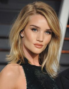 Il taglio sfilato di Rosie Huntington Whiteley #haircut #hairstyle #blondehair…