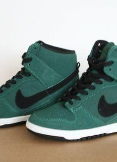 Kup mój przedmiot na #vintedpl http://www.vinted.pl/damskie-obuwie/inne-sporty/10637075-noworoczna-przecena-50-buty-nike-dunk-sky-hi-zielone