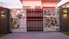 Deciding a gate design for small house often gets perplexing. Get some beautiful simple gate design ideas that would make your house look gracious. House Main Gates Design, Front Gate Design, Main Door Design, Entrance Design, Small House Design, Fence Design, Modern Iron Gate Designs, Latest Main Gate Designs, Simple Gate Designs