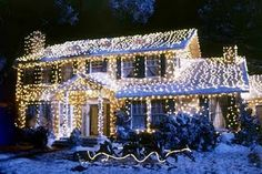 Clark W. Griswold house from National Lampoons Christmas Vacation Christmas Light Displays, Decorating With Christmas Lights, Outdoor Christmas Decorations, Holiday Lights, Light Decorations, Office Decorations, Decor Ideas, Craft Ideas, Holiday Movie