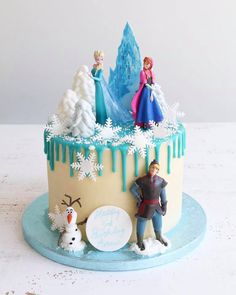 Buttercream drip cakes are a great choice for any celebration. Choose from a chocolate or floral design or pick a theme you like for a personal touch. Elsa Birthday Cake, Frozen Themed Birthday Cake, Frozen Theme Cake, Themed Cakes, Frozen Cake Decorations, 50th Birthday, Birthday Ideas, Disney Frozen Cake, Disney Cakes