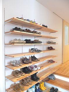 DSCF0414_400 #玄関 #収納 Shoe Shelves, Diy Wall Shelves, Storage Shelves, Shoe Cabinet Design, Shelf Design, Japanese Style House, Pantry Closet, Closet Remodel, Custom Closets