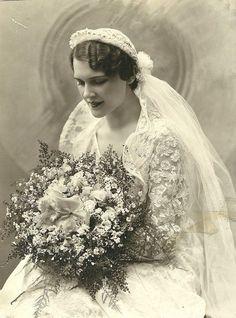Edwardian wedding hairstyles #weddinghairstyles