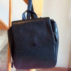 Nine West leather backpack Backpack in beautiful condition.  Lots of pockets, zipper access from either side of bag.   Adjustable straps. Nine West Bags Backpacks