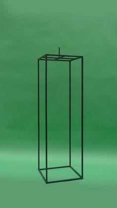 transparenter Sockel für eine Skulptur