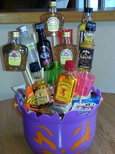 Alcohol Gift Baskets, Liquor Gift Baskets, Alcohol Gifts, Diy Gift Baskets, Raffle Baskets, Diy Halloween Gifts, Halloween Gift Baskets, Diy Food Gifts, Jar Gifts