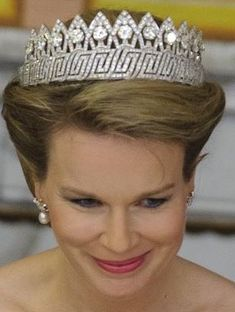 queen mathilde of belgium wearing the Nine Provinces Tiara in it's full forum