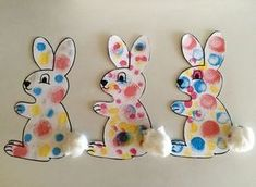 Ink pads: the polka dot rabbit - Les Pious de Chatou (Maternal Assistant . Easter Projects, Easter Art, Easter Crafts For Kids, Toddler Crafts, Preschool Crafts, Easter Bunny, Diy For Kids, Easter Activities, Activities For Kids