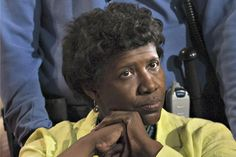 Politicians, Left and Right, Mourn Gwen Ifill.  She was so excellent and conveyed calmness in her reporting. I always felt no matter what that it would be OK when she reported the news.