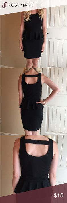Black Peplum Dress This a black dress & is a great staple! It has a peplum top and the brand is Soprano. Size is medium and good worn condition. Smoke free home. Soprano Dresses Midi