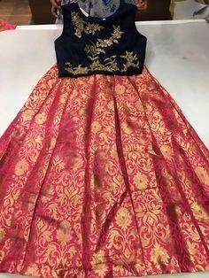 Designer crop tops Price:5450+$ each Top with skirt Size:M l xl Order what'sapp 9573737490 Long Gown Dress, Full Skirt Dress, New Dress, Crop Top Designs, Blouse Designs, Kids Lehanga Design, Kids Frocks, Girls Dresses, Summer Dresses