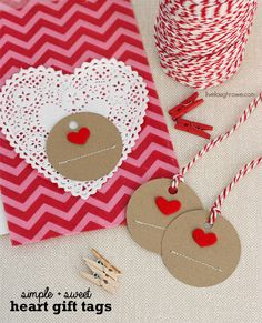 Valentine Ideas - These handmade heart gift tags are really cute. What ever you decide to buy or make for your loved one this valentines day, you can add these tags for a beautiful rustic look. Valentine Decorations, Valentine Day Crafts, Happy Valentines Day, Homemade Valentines, Valentine Ideas, Karten Diy, Happy Hearts Day, Handmade Gift Tags, Bookmarks