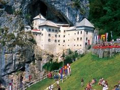 Online booking of guided tours of Ljubljana, day trips to destinations around Slovenia and a great choice of organized activities. Fukuoka, East Sussex, Luxor, Kuala Lumpur, Phuket, Gold Coast, Bangkok, Places To Travel, Places To See