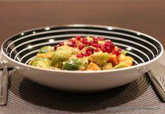 Rosenkohl-Curry mit Süßkartoffeln und Granatapfel