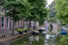 Alkmaar canal and bridge | Emmanuel Fromm | Flickr