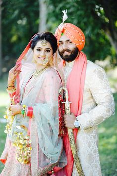 Traditional dress of punjabi couple pictures Punjabi Wedding Couple, Indian Wedding Couple Photography, Wedding Reception Photography, Punjabi Couple, Sikh Wedding, Bridal Photography, Wedding Poses, Wedding Couples, Photography Editing