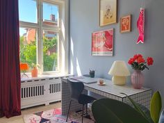 Colorful room with blue and red. Room Interior, Interior Design, Pastel Room, Aesthetic Room Decor, Dream Rooms, House Rooms, New Room, Living Spaces, Bedroom Decor
