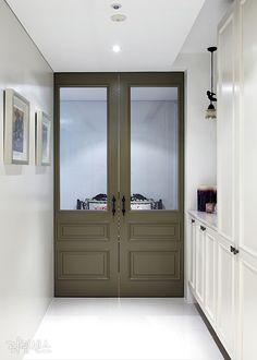 우리 집 첫인상, 현관의 인테리어의 좋은 예 이미지 10 Entrance Design, Door Design, Entrance Doors, House Design, Interior Decorating, Interior Design, Home Hacks, Small Office, Windows And Doors