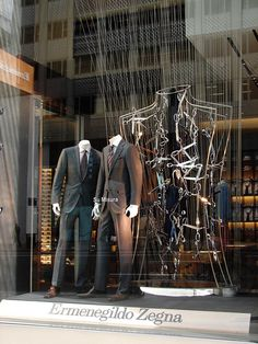 ♂ Retail store window display Ermenegildo Zegna escaparate, Nueva York merchandising visual