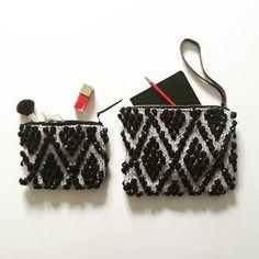 Nouveau #coloris est arrivé ! 新しい色できました  #gris & #noir , #clutch & #trousseamaquillage , #coton & #cotonlin  #tricot #knitting #cotton #cottonlinen #gray #black #pouch  #ポーチ #クラッチ #編み物 #グレー #黒