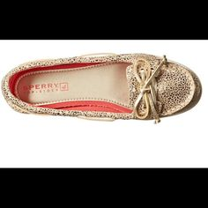 Sperry Top Sider Kid Cute Boat Golf Beach Lounge Brand New and super affordable Top-Sider Kids Audrey (Little Kid/Big Kid) Champagne Leopard Shoes. These shoes are great for boating, sailing, golfing, beach wear, land wear, and a whole lot more! You cannot go wrong adding these shoes to your wardrobe. They are so comfortable and can be worn for long periods of time. That's a plus in my book! Sperry Top-Sider Shoes Moccasins