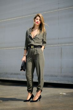 21 Olive Green Romper And Jumpsuit Outfits For Ladies - Styleoholic Olive Jumpsuit, Silk Jumpsuit, Jumpsuit Outfit, Casual Jumpsuit, Look Star, Black Suede Pumps, Playsuits, Military Fashion, Street Style