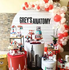 Inspirations Trends 2019 / Panels and Balloons - New Deko Sites Nurse Grad Parties, Nurse Party, Grey's Anatomy, Doctor Party, 18th Birthday Party, Nursing Graduation, Party Decoration, Partys, Sweet 16