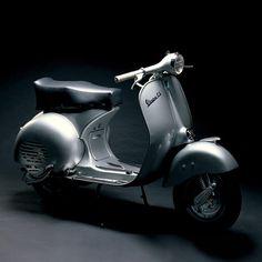 A website dedicated to Vespa and Lambretta scooters. Vespa Piaggio, Lambretta Scooter, Vespa Scooters, Vespa 150, Classic Vespa, Classic Bikes, Fiat 500, Le Mans, Vespa Models