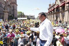En el marco de la conmemoración del LXXIX Aniversario de la Expropiación Petrolera en el Centro Histórico de Morelia, al que se dieron cita cerca de 30 mil michoacanos, el ...