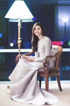Stunning songket dress by Syomir Izwa  I keep on fallin'  Photo by the awesome Kudegraphy