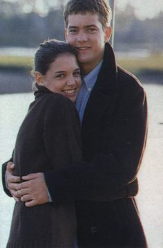 Remember when Joshua Jackson and Katie Holmes were dating in real life? Remember how cute they were in the Dawson's Creek Tv Couples, Celebrity Couples, Best Tv Shows, Favorite Tv Shows, Favorite Things, Dawsons Creek Pacey, J Crew Catalog, Pacey Witter, Josh Jackson