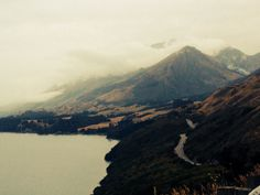 Lake wakatipu queenstown drive to Glenorchy