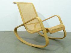 Wooden Rocking Chair With Joncgeflecht, Model: Dondolo Rocking Chair |  Luigi Crassevig