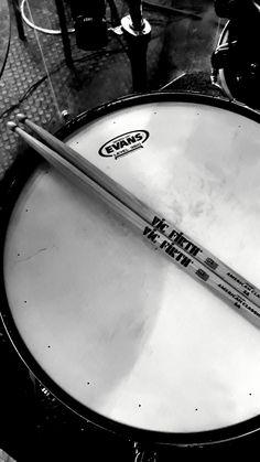 #drums drums #evans #vicfirth #vf15 Vic Firth Drumsticks, Drums Wallpaper, Drum Tattoo, Drums Art, Drum Music, Drum Kits, Wall Collage, Rock, Jasper