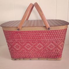 Cute vintage picnic basket. Perfect peach color with wood accents makes for a lovely picnic. Retro picnic / serving and storage.