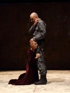 """""""El asesino del sueño (Macbeth)"""" de William Shakespeare Puesta en escena y dirección: Facundo Ramírez. 18 actores en escena.  Martes 20:30 hs. Teatro del Abasto (Humahuaca 3549)"""
