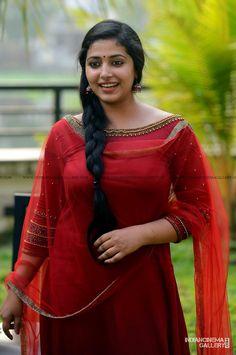 Anu Sithara At Oru Kuprasidha Payyan Promo Meet 12 Indian Natural Beauty, Indian Beauty Saree, Beautiful Girl Indian, Most Beautiful Indian Actress, Beautiful Bollywood Actress, Beautiful Actresses, Beauty Full Girl, Beauty Women, Beauty Girls