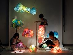 SD Works Creates the Perfect Irregular Shaped Lamp. (Con material de desecho y LEDs de colores maybe?)