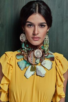 - The Effective Pictures We Offer You About jewelry wallpaper A quality picture can tell you many th - Teal Jewelry, Statement Jewelry, Jewelry Art, Jewelry Design, Craft Jewellery, Boho Chic, Bohemian Mode, Ethnic Fashion, Love Fashion