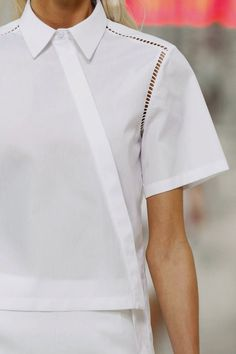 Preen Spring 2014 RTW - Details - Fashion Week - Runway, Fashion Shows and Collections - Vogue Fashion Details, Look Fashion, Fashion Show, Womens Fashion, Runway Fashion, Minimal Fashion, White Fashion, Moda Minimal, Minimal Chic