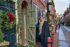 Elfreth's Alley, the oldest continuously occupied street in the country. (Photo by R. Kennedy for Visit Philadelphia)